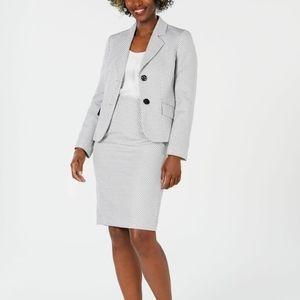 Le Suit women's platinum basket weave skirt suit